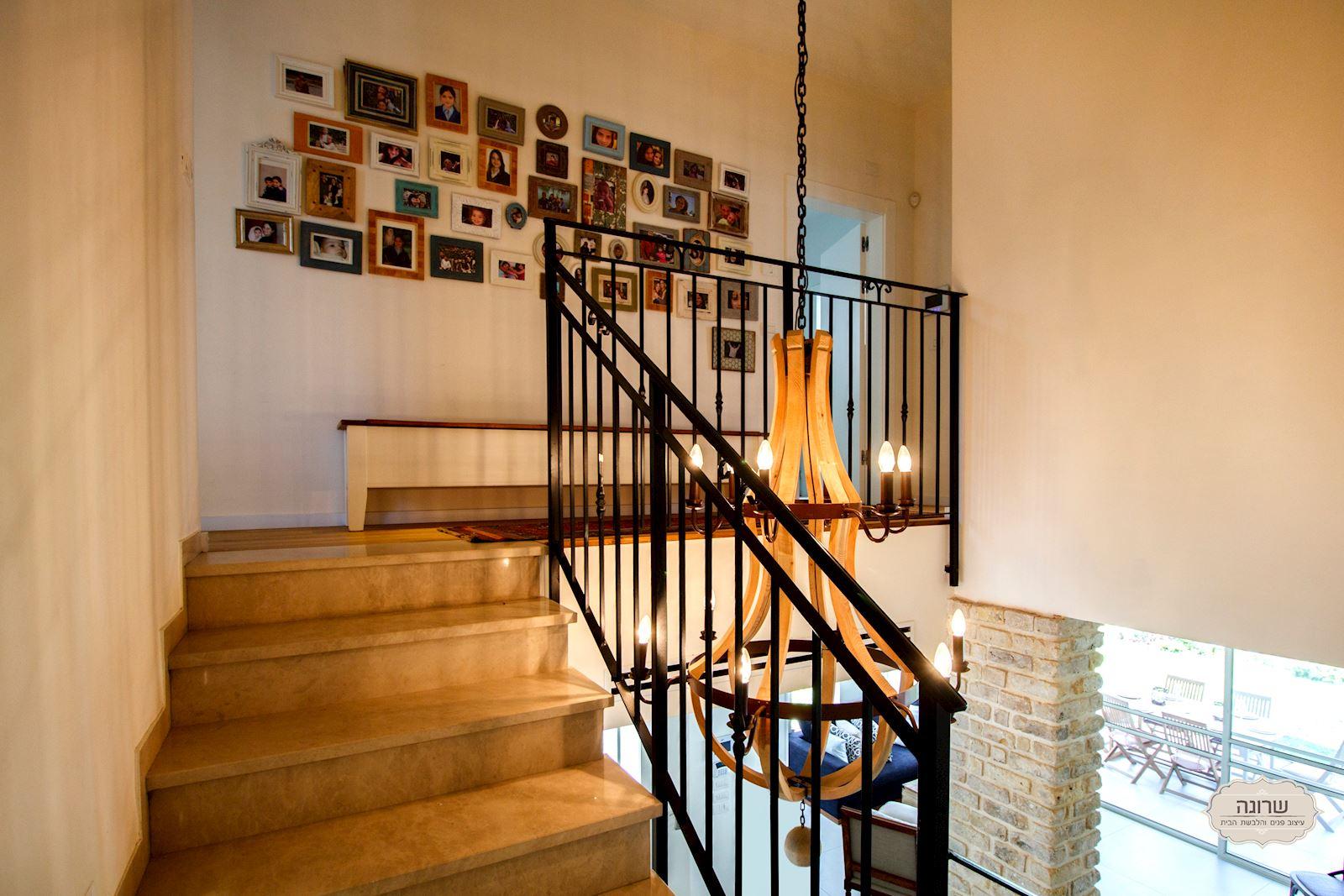 דוגמה למדרגות בבית מעוצב
