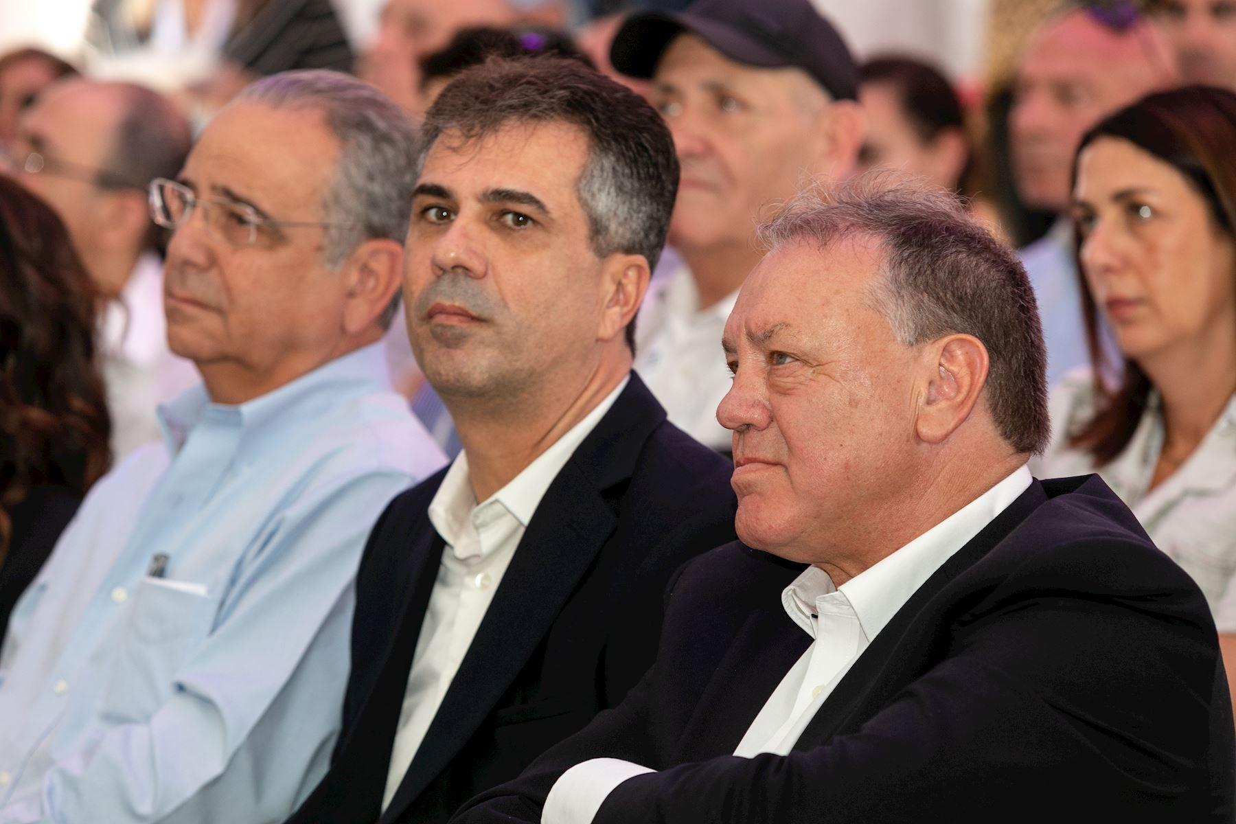עם אלי כהן, שר הכלכלה והתעשייה