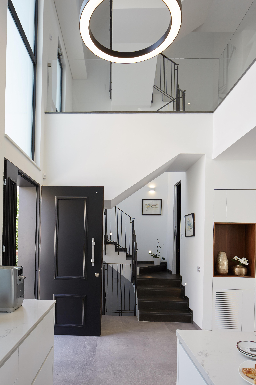 דלת כניסה דגם אוקספורד רב-בריח – רב בריח