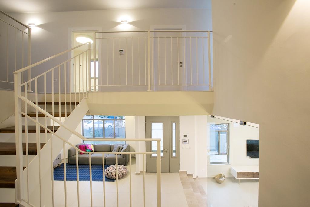 דלתות פנים וכניסה מהווים מקבל חשוב בעיצוב הבית